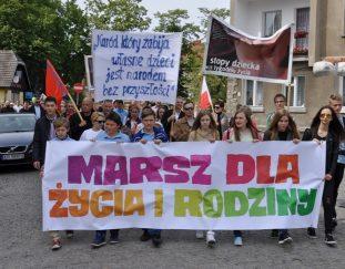 marsz-dla-zycia-i-rodziny-2015